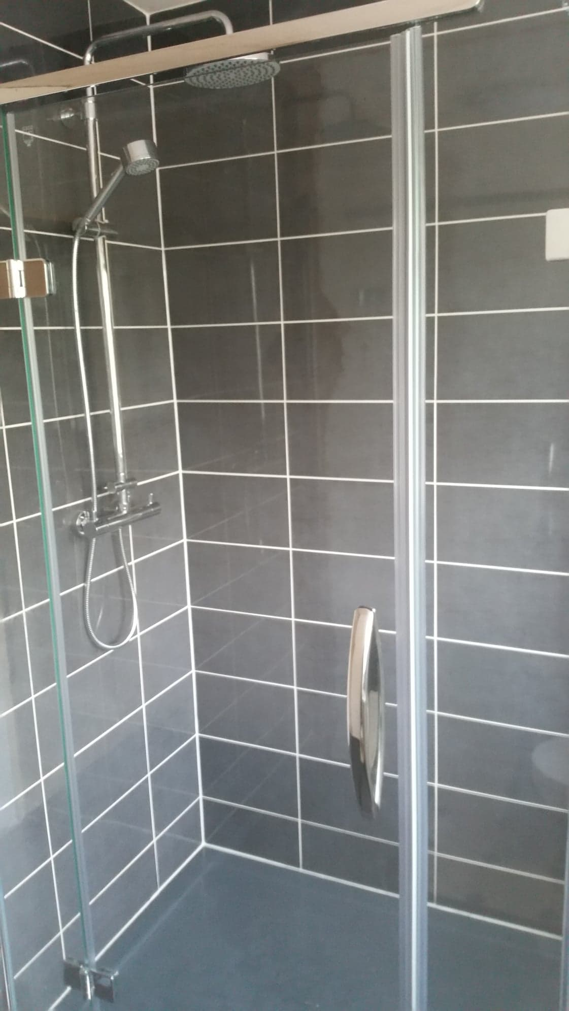 shower tile fitting in south coast